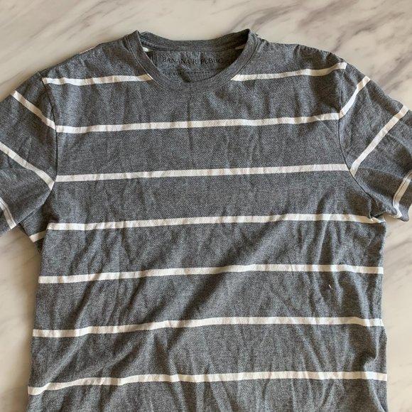 Banana Republic striped Tee shirt small